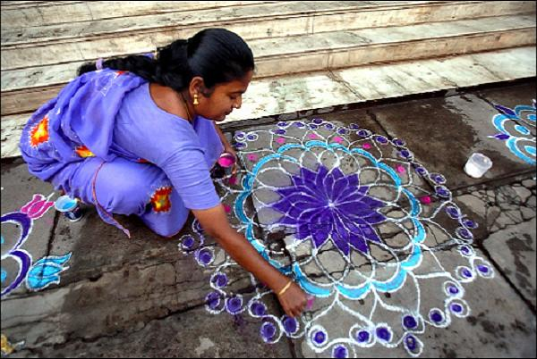 Thenkachi-Rangoli-Design