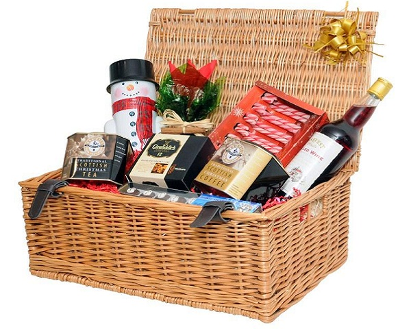 christmas-hamper-for-him
