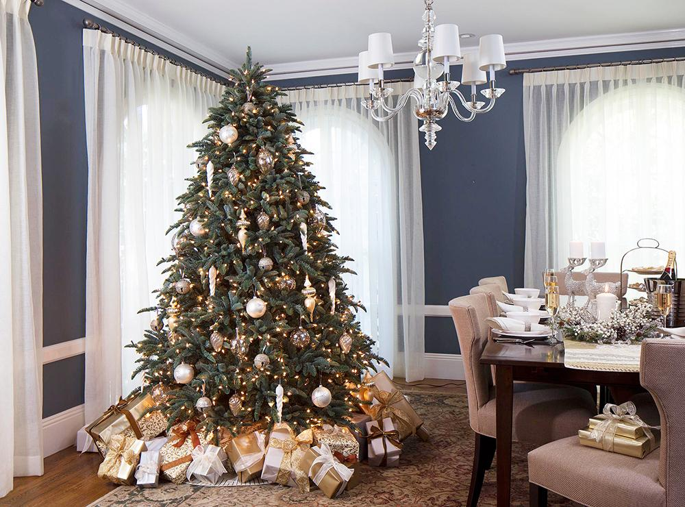 elegant-christmas-tree