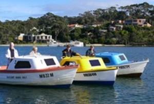 lakes-entrance-boat