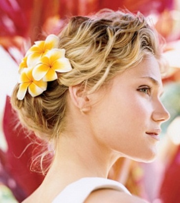 Romantic_Wedding_Hairstyle