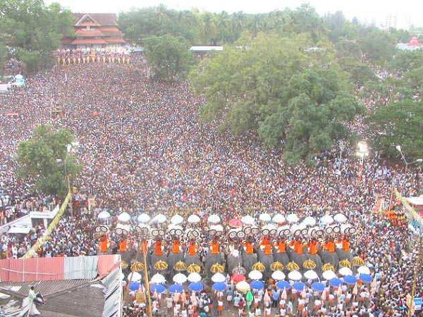 Thrissur-Pooram-Festival-at-Vadakkannathan-Temple-Thrissur-photos