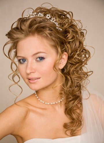 romantic-hairstyle-for-wedding