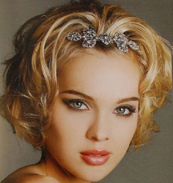 romantic-wedding-short-hairstyle
