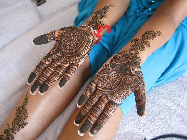 Pakistani-Mehndi-Designs-for-hands