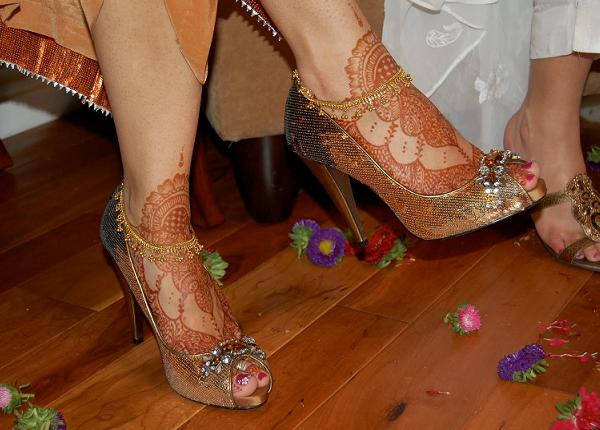 Pakistani-mehndi-designs-for-foot