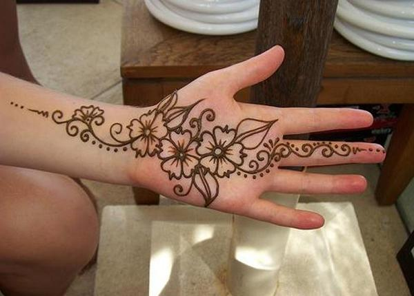 Simple-Arabic-Henna-For-Girls