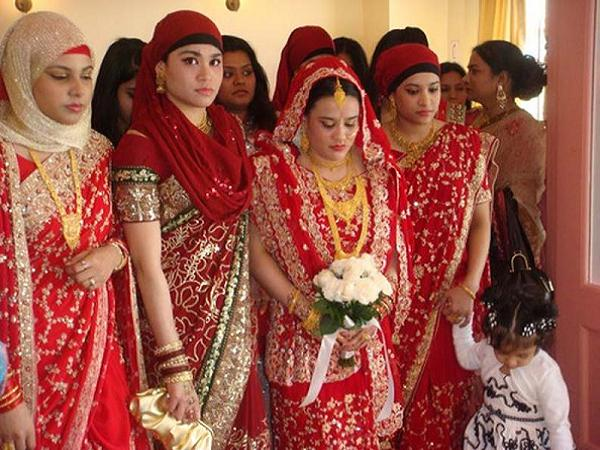 Muslim wedding ceremony and traditions easyday bengali muslim bride junglespirit Image collections