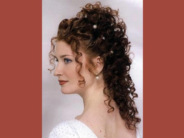 curly-hair-wedding-styles