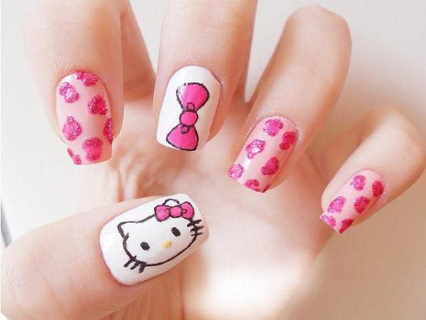 hello-kitty-nail-designs