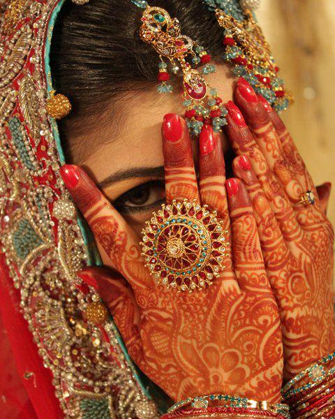 28 Simple And Latest Mehandi Designs