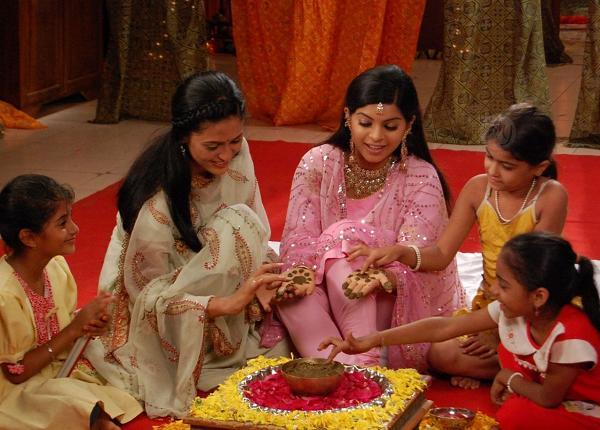 32408-jyoti-mehndi-ceremony.jpg