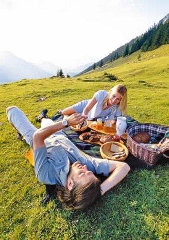 picnic-for-couple