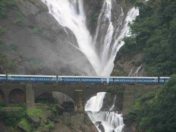 romantic-Riding-on-a-train