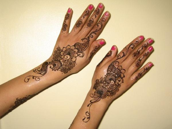 Simple Mehndi Designs For Hands 2013 Images