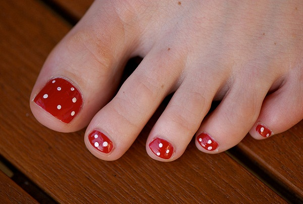 simple-toe-nail-art