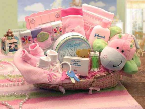 New Baby Gift Basket Ideas 600 x 450