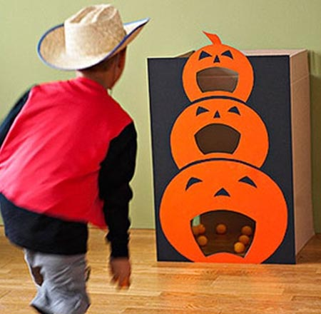 halloween games fun halloween party games for all ages easyday. Black Bedroom Furniture Sets. Home Design Ideas
