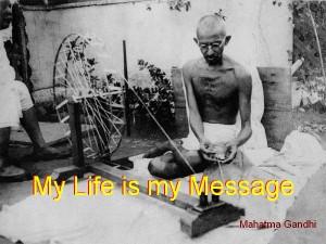 mahatma-Gandhi_spinning