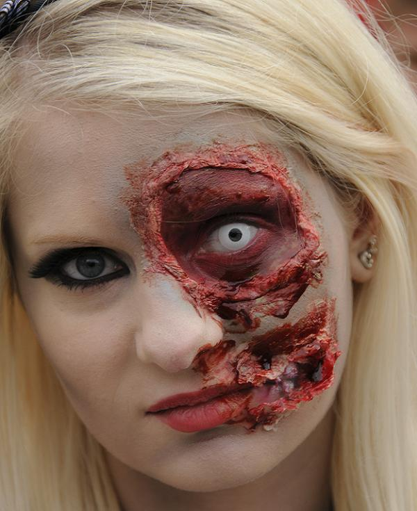 Displaying 19 gallery images for halloween bear makeup