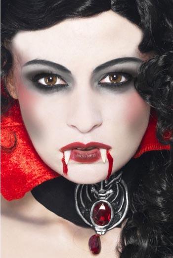 sexy-vampire-makeup