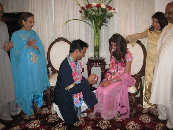 Pakistani Wedding Traditions - Easyday