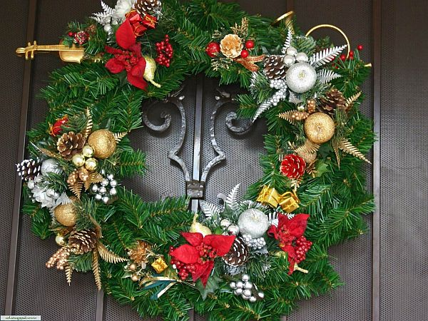 Christmas-Door-Decorations