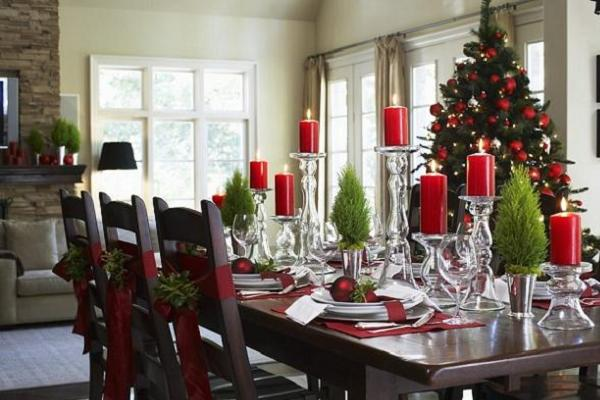 Elegant christmas table decorations for 2016 easyday for Christmas centerpieces for dining room table