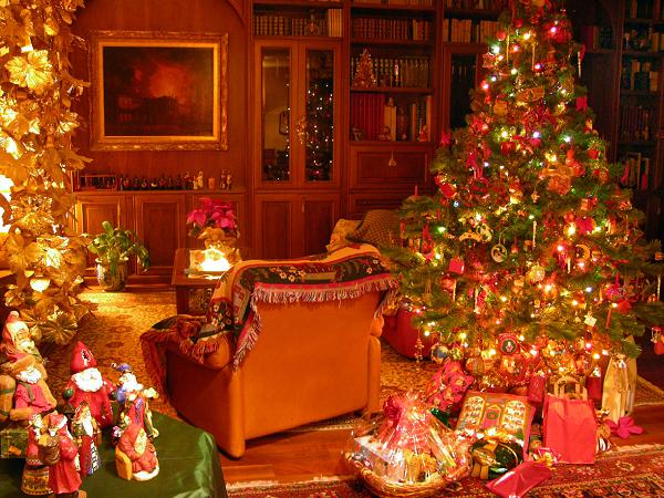 custom-Christmas-tree-Decoratins