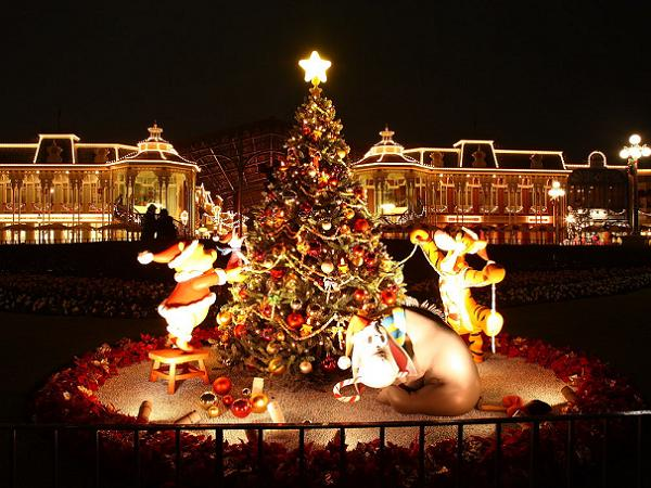 disney-christmas-decorations