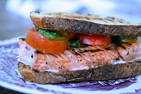 Grilled-Salmon-Sandwiches