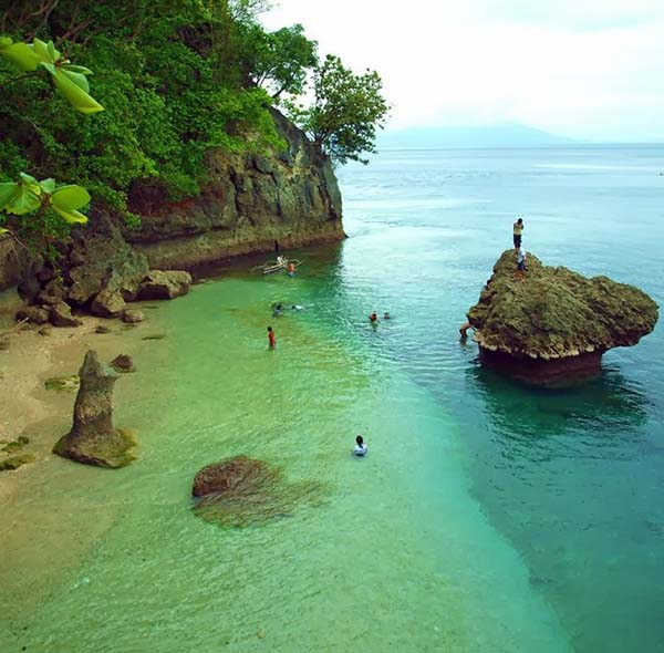 Canibad Beach, Samal Island, Philippines Photo: Unknown
