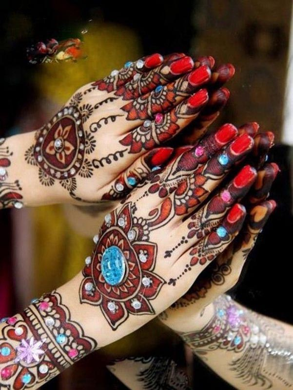 colorful-mehndi-designs-for-hands