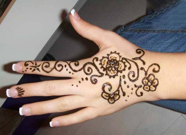 easy-and-simple-menhdi-designs-for-hands