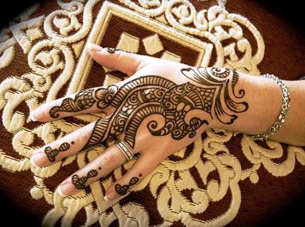 Latest Mehndi Hands : Beautiful and amazing latest mehndi designs easyday