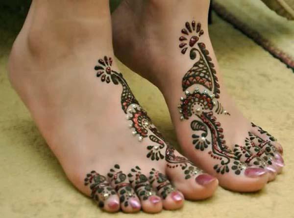 latest-mehndi-designs-for-feet