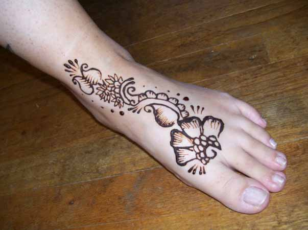 mehandi-designs-for-kids-feet