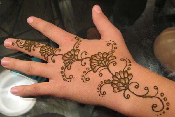 pakistani-mehndi-designs-for-kids