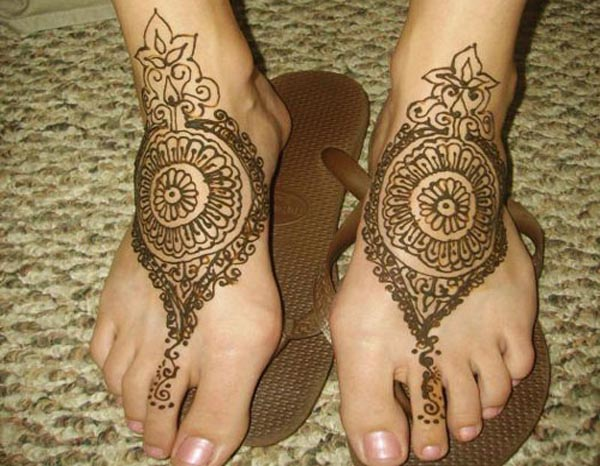Bridal Mehndi On Foot : Latest bridal mehndi designs beststylo