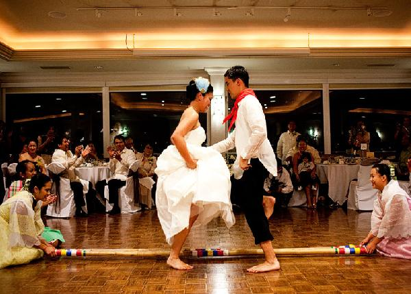 "philippine marriage customs Aside from ceremonial traditions, filipino weddings are also full of superstitious beliefshere is to name a few of them the wedding date should be well-planned because two siblings cannot marry within the same year (also known as ""sukob"") or this will bring bad luck."