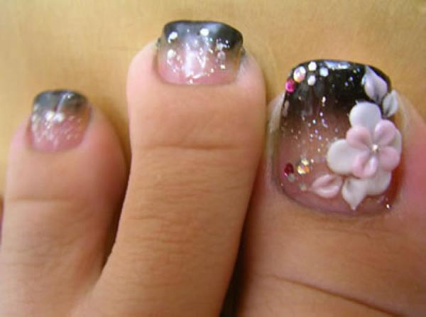 big-toenail-designs