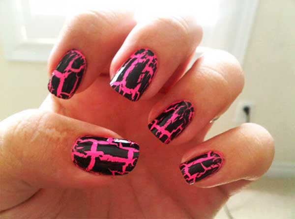 black-and-pink-nail-designs