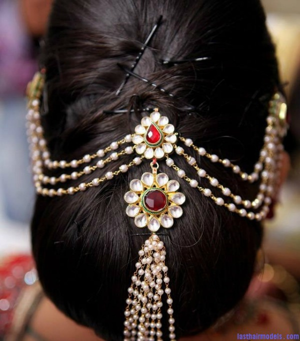 Wedding Hairstyles Indian: 20 Latest Indian Bridal Hairstyles