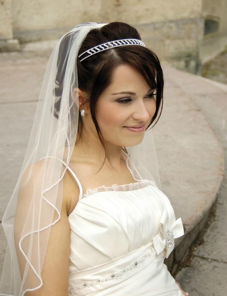 Wedding Hairstyles For Short Hair With Veil Take A Look Source