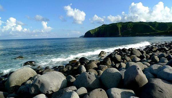 valugan-beach-batanes