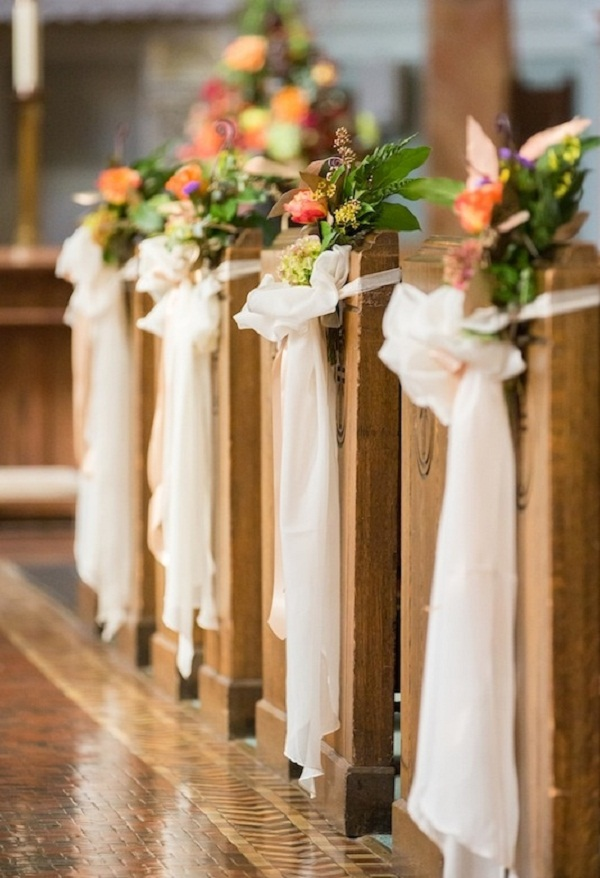Creative church wedding decorations easyday for Aisle decoration for wedding