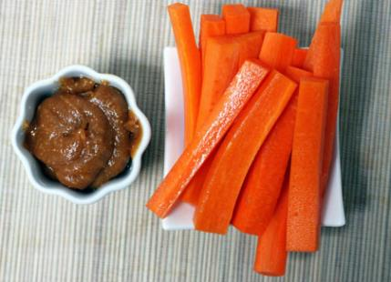 Carrots with Peanut Dipping Sauce