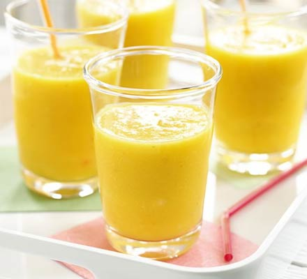 Mango & banana smoothie