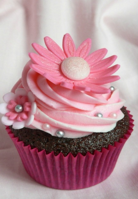 30 cupcake designs for you easyday for Kitchen accessories cupcake design