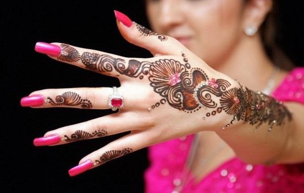 easy-mehndi-designs-for-hands